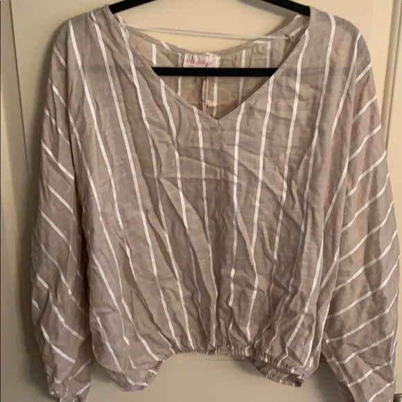 Tops - Nwt Flowy  Beach summer crop blouse size XL